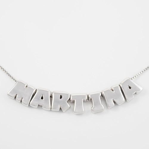 Collar ABC con 7 letras y cadena.