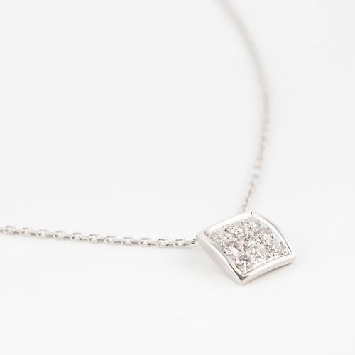 Collar Colors cuadrado oro blanco con diamantes blancos y cadena áncora